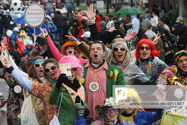 Karneval  Rosenmontagszug in Koblenz  Rheinland-Pfalz  Deutschland  Europa