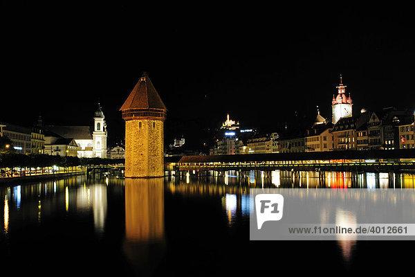 Kappellbrücke über die Reuss in Luzern  Kanton Luzern  Schweiz  Europa Kanton Luzern