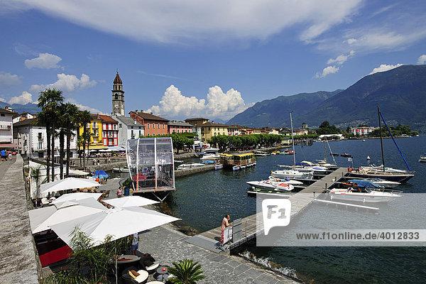 Seepromenade von Ascona mit Segelboothafen,  Lago Maggiore,  Tessin,  Schweiz,  Europa