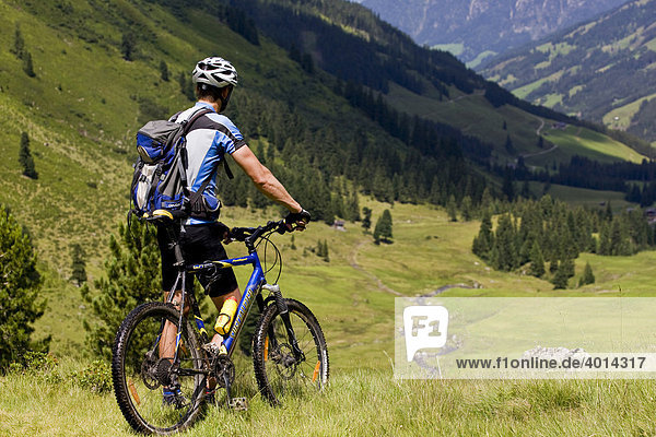 Mountain biker  Alpbachtal  North Tyrol  Austria  Europe