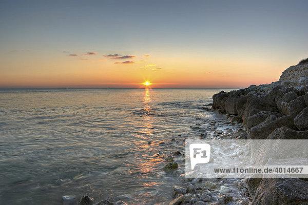 Sonnenuntergang am der Atlantikküste  La Rochelle  Charente-Maritime  Frankreich  Europa
