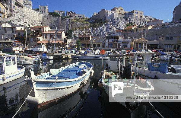Fischerboote  Boote  Hafen  Vallon des Auffes  Marseille  Provence  Frankreich  Europa