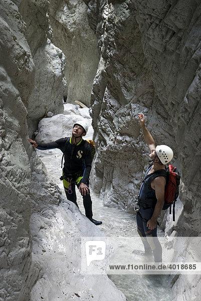 Canyoning im Bruckgraben im Nationalpark Gesäuse  Steiermark  Österreich  Europa