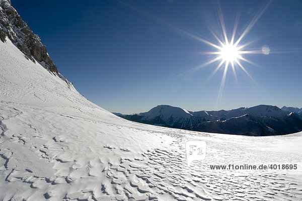 Sonniger Wintertag im Nationalpark Gesäuse  Steiermark  Österreich  Europa