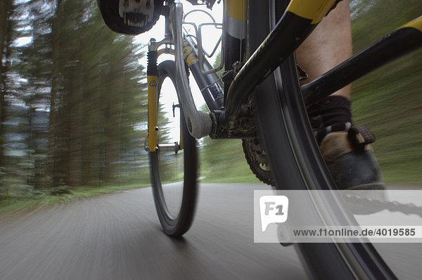 Mit dem Mountainbike fahren