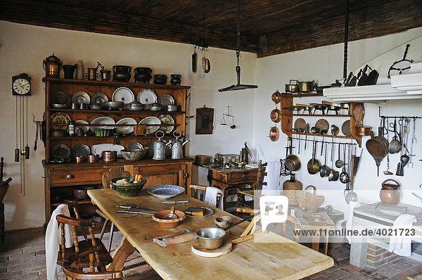 Küche  Inneneinrichtung  Wohnmuseum  Schloss Lenzburg  historisches Museum  Aargau  Schweiz  Europa