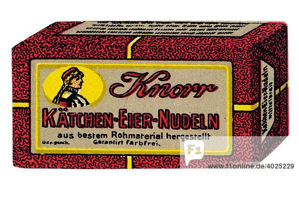 Umverpackung  Knorr Kätchen-Eier-Nudeln  aus bestem Rohmaterial hergestellt  garantiert farbfrei Umverpackung, Knorr Kätchen-Eier-Nudeln, aus bestem Rohmaterial hergestellt, garantiert farbfrei