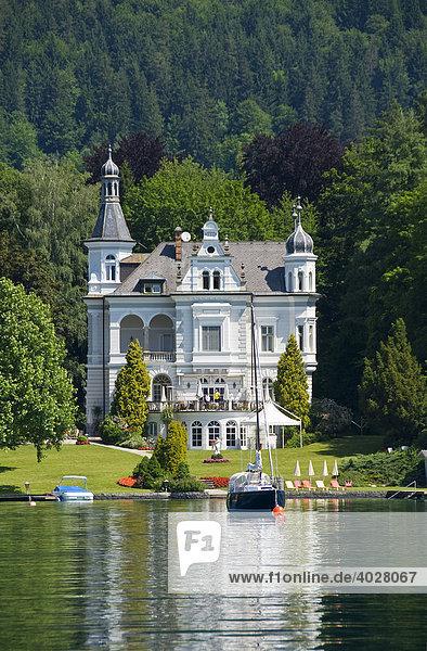 Klassische Villa in Pörtschach am Wörthersee  Kärnten  Österreich  Europa