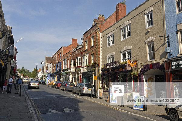 Häuserzeile  Straße  Innenstadt  Glastonbury  Mendip  Somerset  England  Großbritannien  Europa