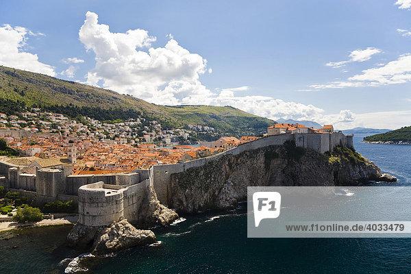 Stadtmauer und Altstadt von Dubrovnik  Ragusa  Dubrovnik-Neretva  Dalmatien  Kroatien  Europa