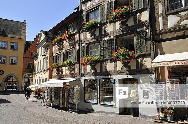 Häuser in der Kirchstraße  Meersburg am Bodensee  Baden-Württemberg  Deutschland  Europa
