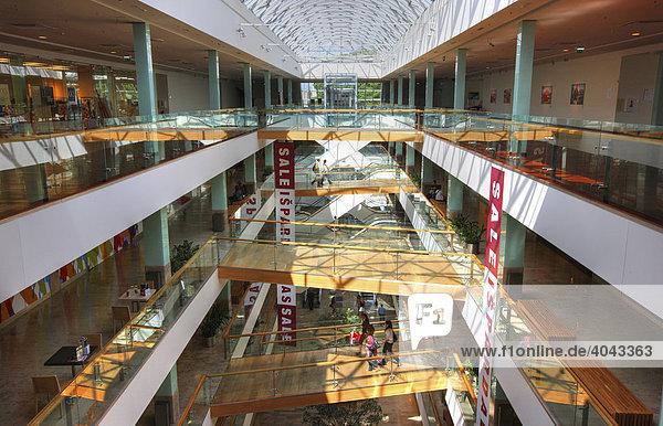 Gedimino9  exklusive Shopping Mall am Gedimino Prospekt  Innenansicht  Vilnius    Litauen  Baltikum  Nordosteuropa