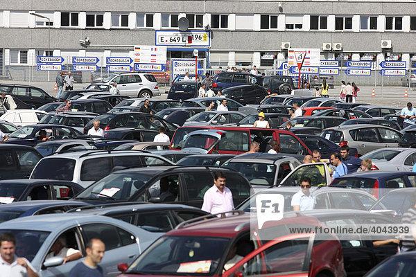 Gebrauchtwagen Aussenaufnahmeaussenaufnahmenautoautomaerkte