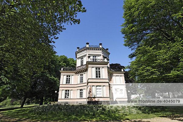 Haus Greiffenhorst  Villa des Krefelder Seidenfabrikanten Cornelius de Greiff  Krefeld-Linn  Niederrhein  Nordrhein-Westfalen  Deutschland  Europa