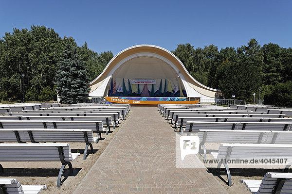 Konzertmuschel  Strandpromenade Swinemünde  Swinoujscie  Ostsee  Polen  Europa