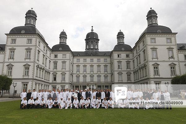 Alle Köche  Gruppenbild  Althoffs Festival der Meisterköche  Grandhotel Schloss Bensberg  Bergisch Gladbach-Bensberg  Nordrhein-Westfalen  Deutschland  Europa