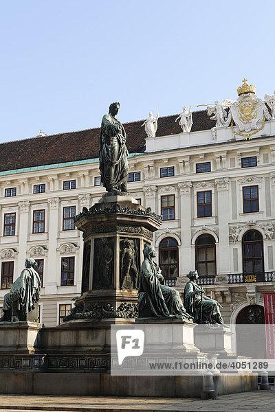 Statue Franz I. im Innenhof Alte Burg  Wien  Österreich  Europa