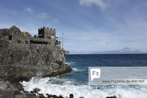 El Castillo  Vallehermoso  La Gomera  hinten Teneriffa  Kanaren  Kanarische Inseln  Spanien  Europa