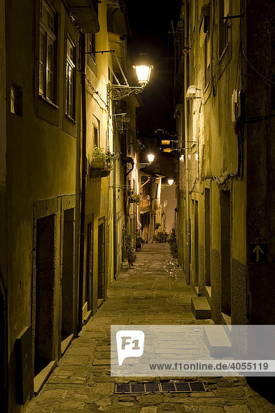 Typical alley in the historic centre of Porto  UNESCO World Cultural Heritage Site  Portugal  Europe