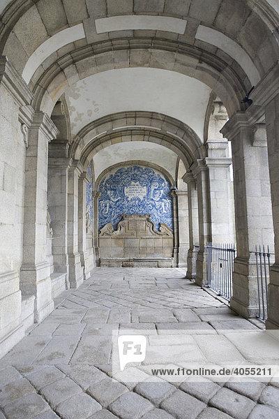 Galerie in der Kathedrale von Porto  UNESCO Weltkulturerbe  Portugal  Europa