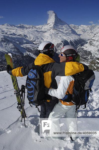 Skifahrer  Freerider  Rothorn  Matterhorn  Zermatt  Wallis  Schweiz  Europa