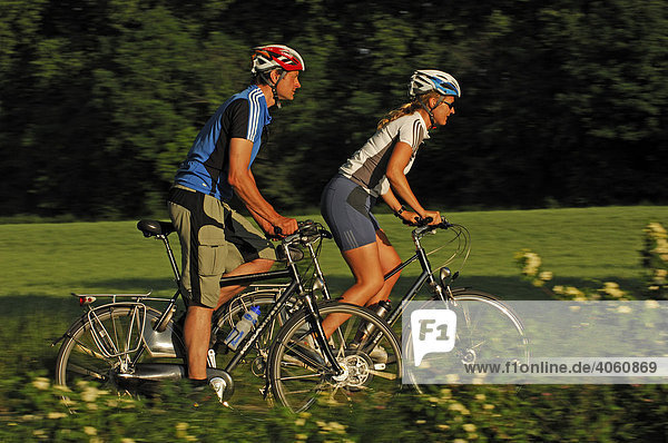 Radfahrer  Canal du Midi  Midi  Frankreich  Europa