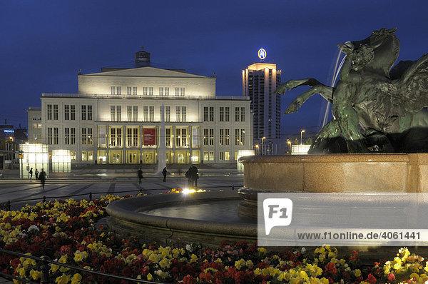 Opera House  Mendebrunnen Fountain  Augustusplatz  Leipzig  Saxony  Germany  Europe