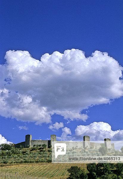 Mittelalterlicher Mauerring  Monteriggioni  Provinz Siena  Toskana  Italien  Europa