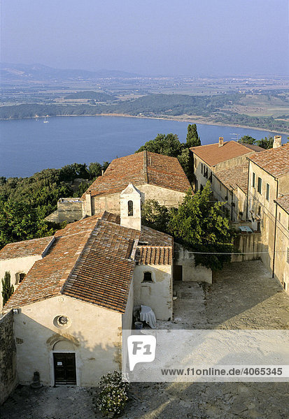 Populonia  Golf of Baratti  Livorno Province  Tuscany  Italy  Europe
