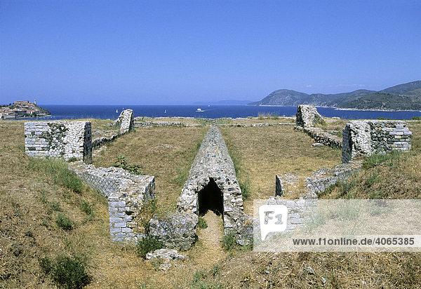 Römische Wasserleitung  Ruine der Villa Romana delle Grotte bei Portoferraio  Insel Elba  Provinz Livorno  Toskana  Italien  Europa