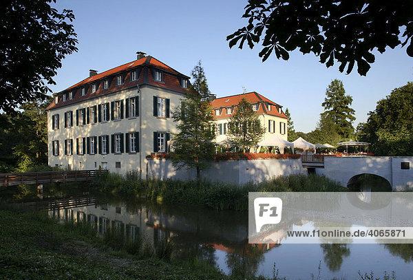 Schloss Berge  Gelsenkirchen  Ruhrgebiet  Nordrhein-Westfalen  Deutschland  Europa