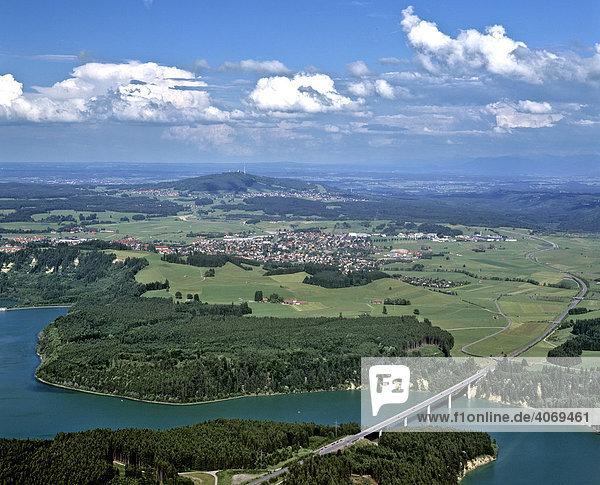 Lechtalbrücke bei Schongau  Lech  Peiting  Hohenpeissenberg  Oberbayern  Bayern  Deutschland  Europa  Luftbild