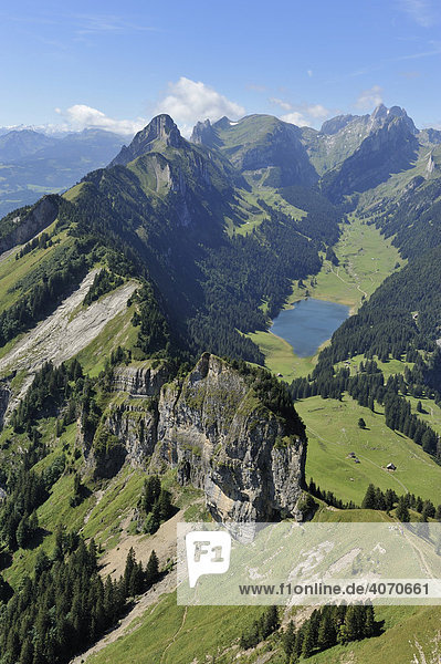 Sicht vom Hohen Kasten Richtung Sämtisersee und Säntis  Appenzell  Schweiz  Europa
