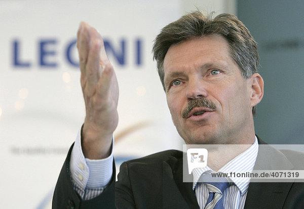 Klaus Probst  Vorstandsvorsitzender der Leoni AG  während der Bilanzpressekonferenz am 26.03.2008 in Nürnberg  Bayern  Deutschland  Europa