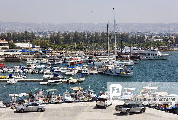 Blick in den Hafen von Paphos  Südzypern  Zypern  Europa