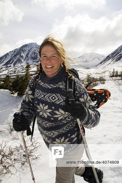 Wandern  Schneeschuh  Berge  Eliaskette  Kluane Nationalpark  Yukon  Kanada