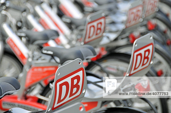 Leihfahrräder der Deutschen Bahn am Opernplatz  Frankfurt  Hessen  Deutschland  Europa Leihfahrräder der Deutschen Bahn am Opernplatz, Frankfurt, Hessen, Deutschland, Europa