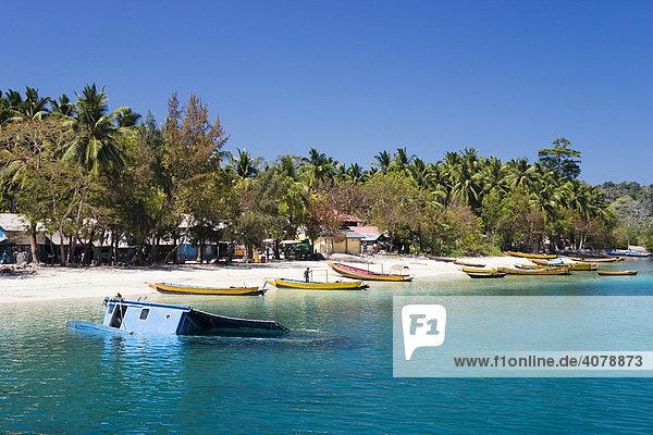 Fischerdorf auf Havelock Island  Andamanen  Andamanensee  Indien  Südasien