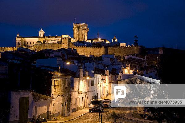 Fortress and historic center of Estremoz  now the Hotel Pousada Rainha Santa Isabel  Alentejo Region  Portugal  Europe