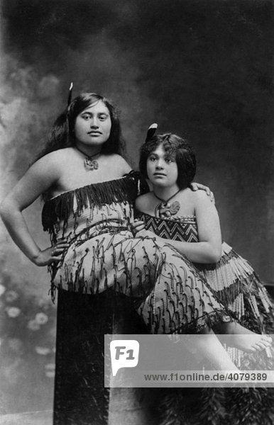 Zwei Frauen aus Samoa  historische Aufnahme  ca. 1910