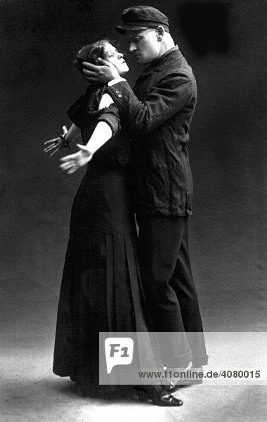 Historische Aufnahme  Leidenschaft  Kuss  ca. 1925