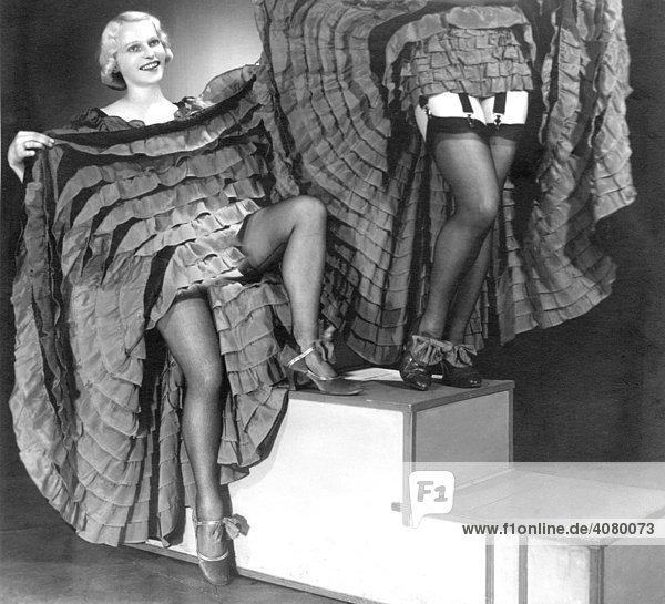Historische Aufnahme  Tänzerinnen  ca. 1920