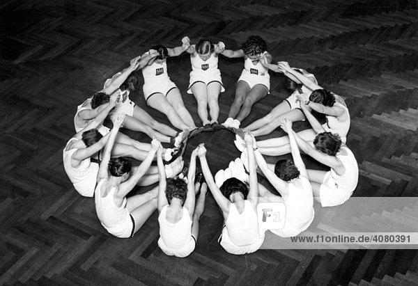 Historische Aufnahme  Frauen bei der Gymnastik  ca. 1929