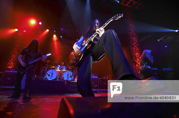 Doro on tour 2007 at the Z7 in Pratteln Concert on December 13.th 2007  Guitars in Front Joe Taylor  Guitars in Back Oliver Palotai