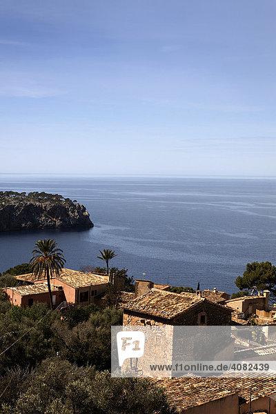 Blick auf Lluc-Alcari an der Nordküste von Mallorca  Balearen  Spanien