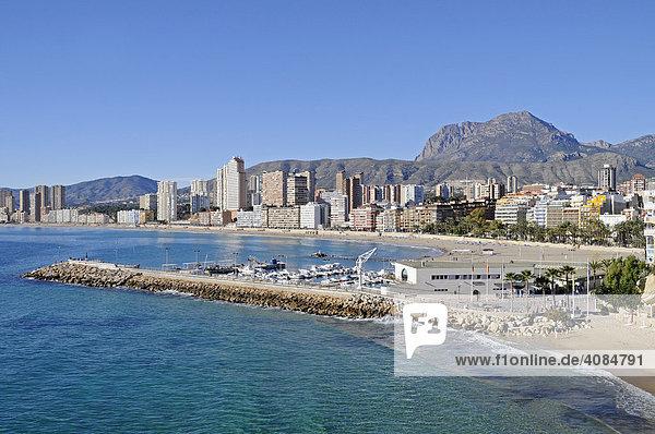 Hafen  Strand  Playa de Poniente  Benidorm  Alicante  Costa Blanca  Spanien