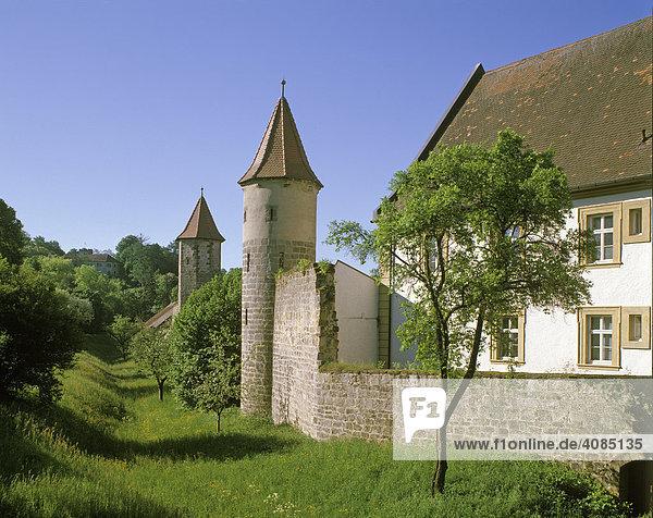 Sesslach Kreis Coburg Oberfranken Deutschland Stadtmauer am Schloss