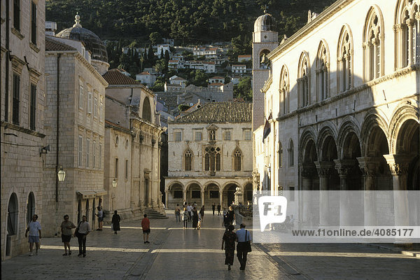 Dubrovnik Süddalamatien Kroatien Rathaus Rektorenpalast und Palast Sponza