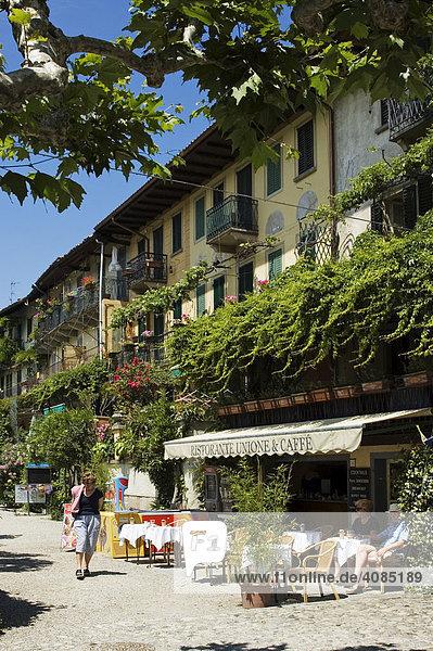 Am Lago Maggiore Piemont Piemonte Italien Borromäische Inseln Isole Borromee Isola dei Pescatori bei Stresa
