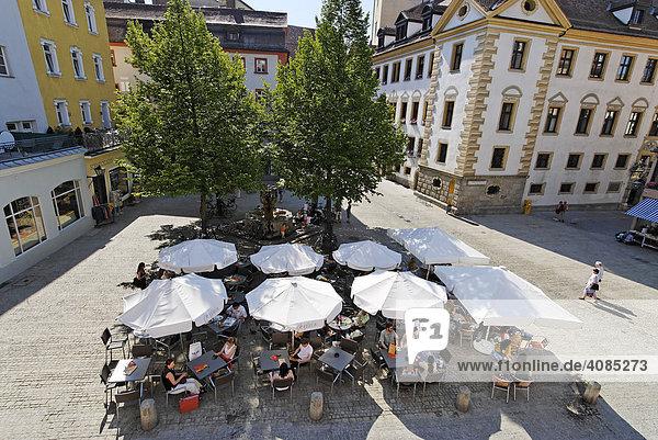 Regensburg Oberpfalz Bayern Deutschland Cafe am Rathausplatz